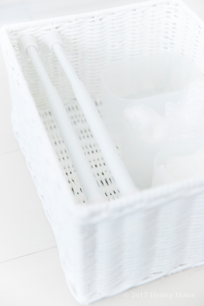 キッチン 棚 収納 輪ゴム 排水溝 ゴミ袋 ダイソー 無印 つっぱり棒