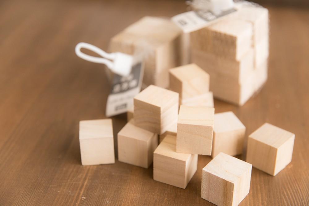 セリアの木製立方体