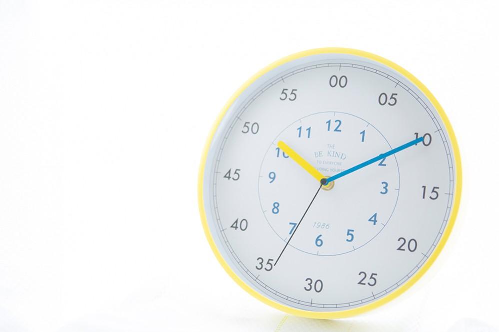 スリーコインズの知育時計