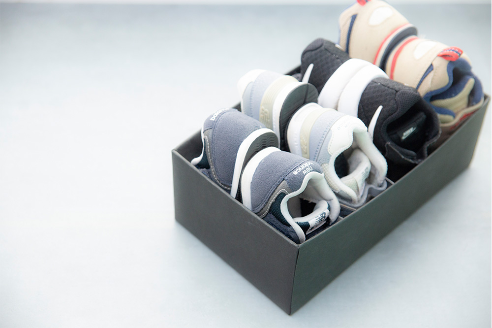 牛乳パックで子どもの靴の収納